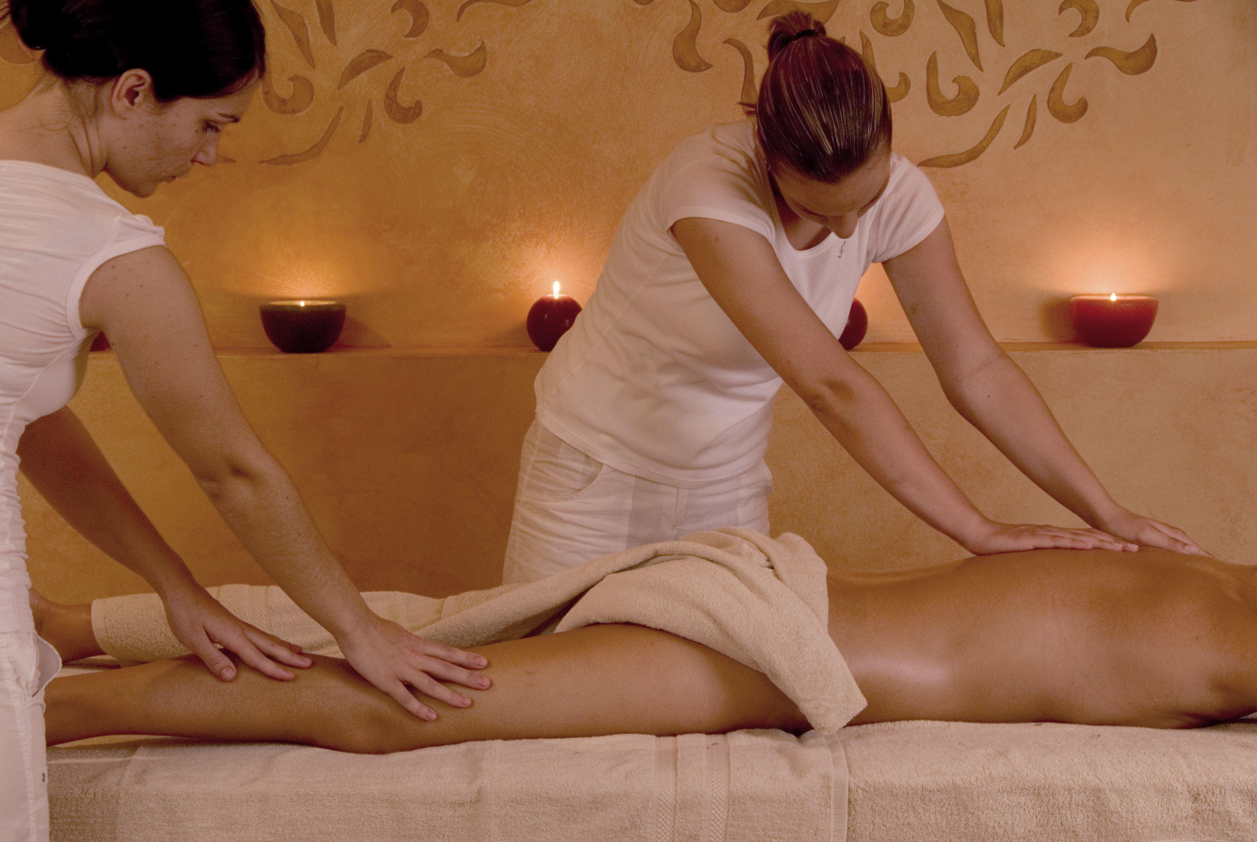 Женщины делают массаж женщинам смотреть онлайн #6