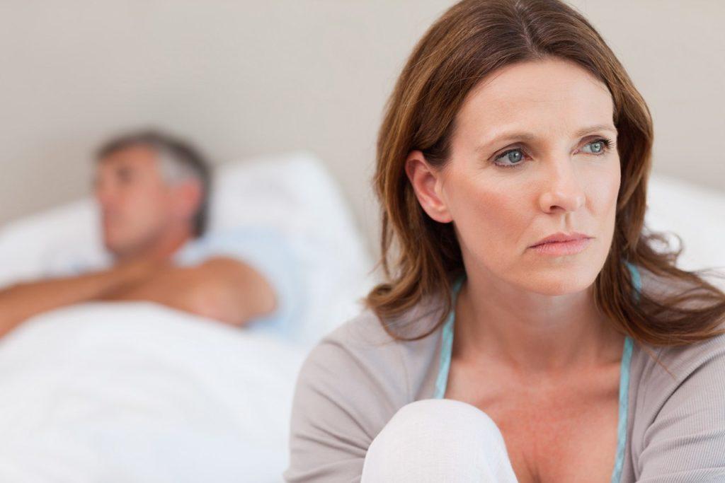 Либидо женщин при климаксе: как повысить сексуальное желание и почему оно снижается?