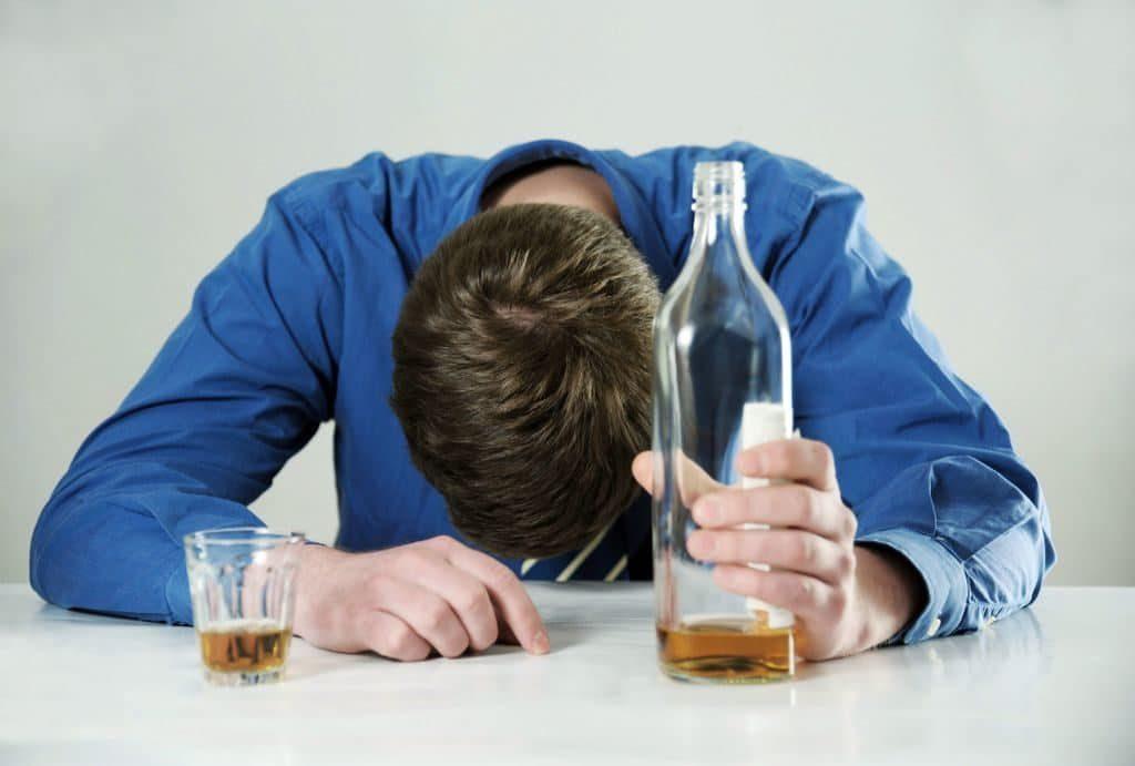Существует ли взаимосвязь между алкоголем и импотенцией?