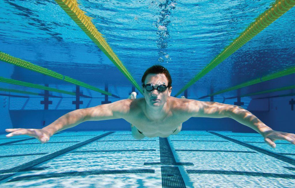 Плавание при простатите: можно ли посещать бассейн?