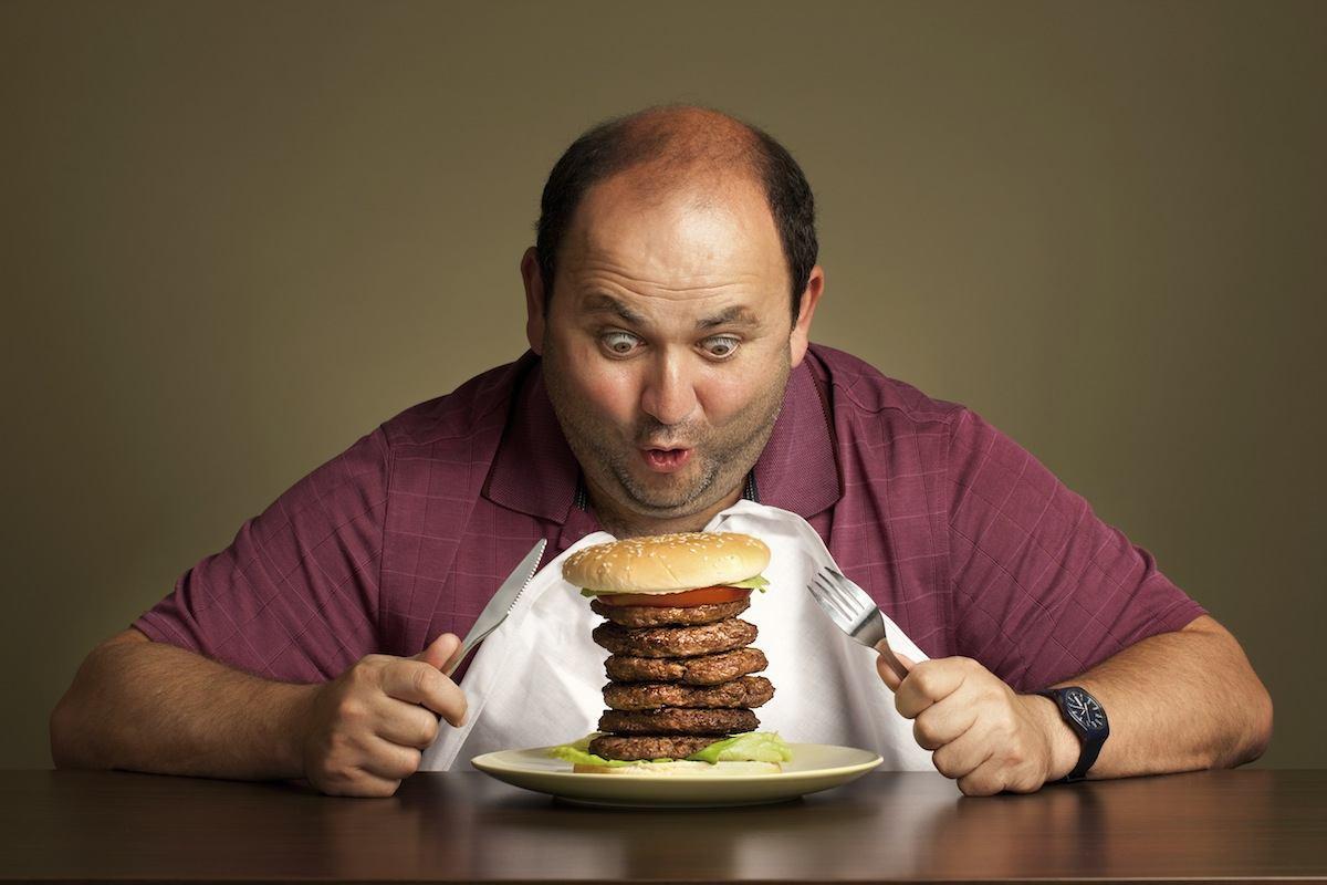 картинки мужчины едят что-то