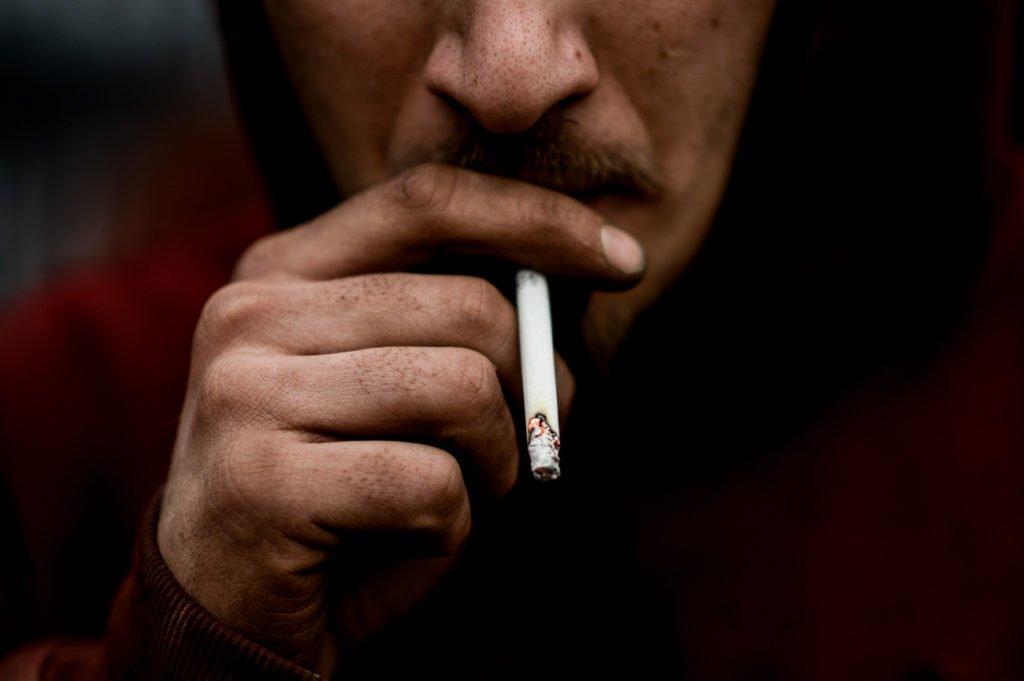 Чем опасно курение при простатите