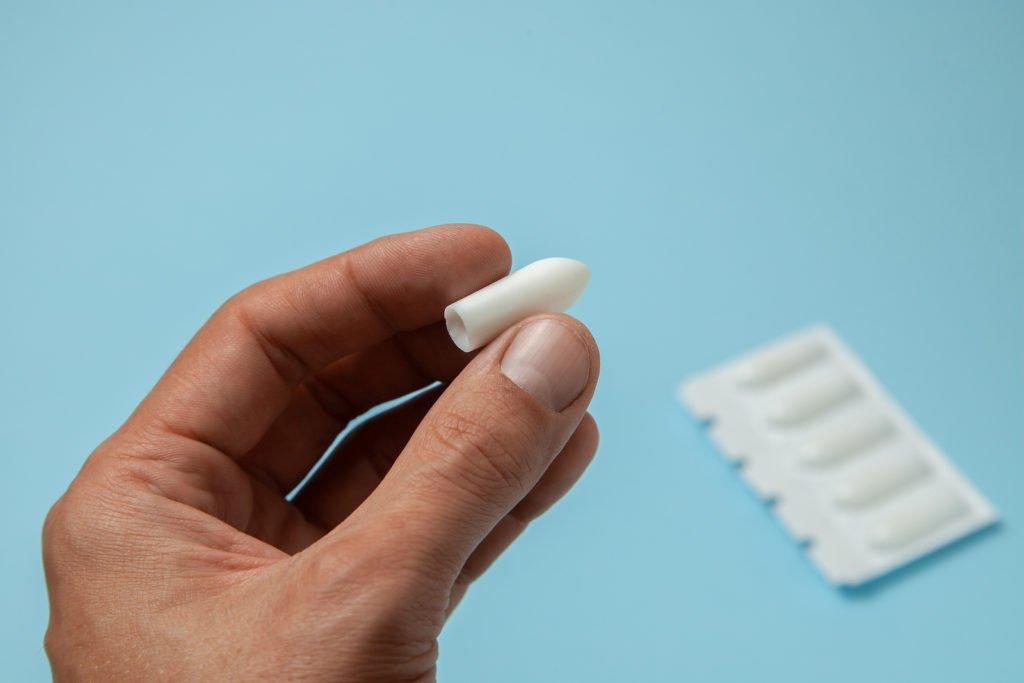 Противовоспалительные свечи при простатите: самые эффективные НПВС и другие недорогие препараты