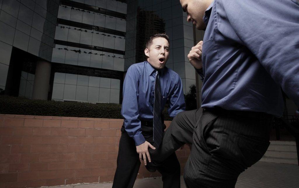 Причины тяжести в яичках у мужчин